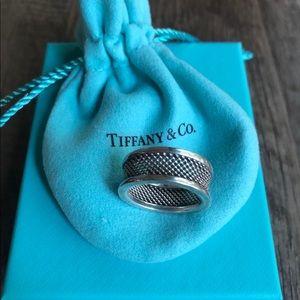 Vintage T&Co ring 💙